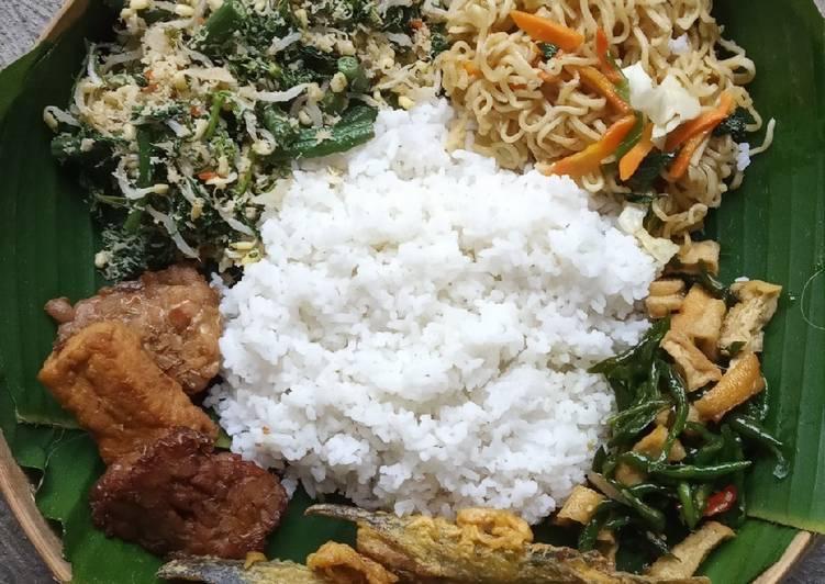 Resep: Nasi gudangan (sego bancaan) yang menggugah selera