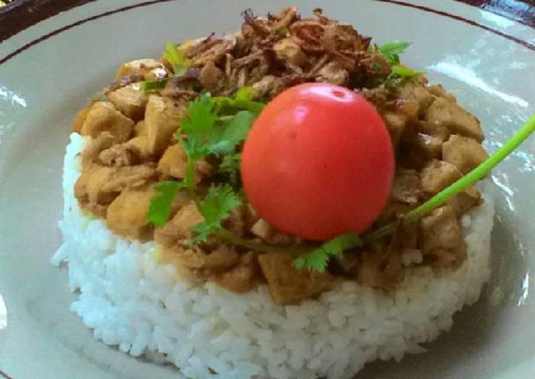 Resep: Nasi Bakmoy Ayam ala Rumahan rasa Restoran yang menggugah selera