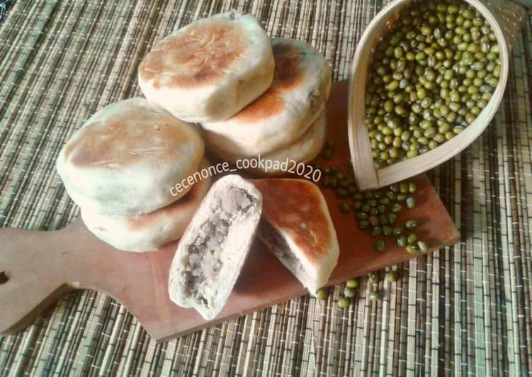 Resep membuat Kue Pia isi Kacang Hijau yang bikin ketagihan