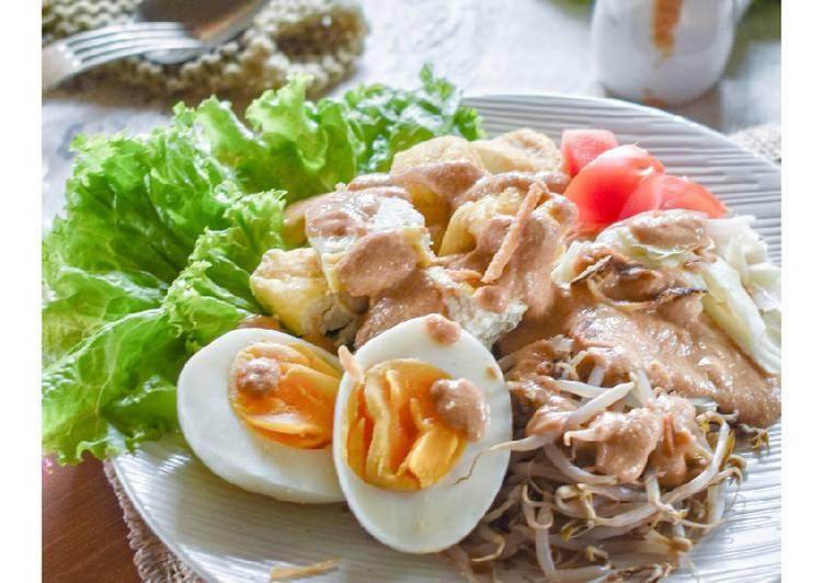 Resep mengolah Gado-gado Siram khas Surabaya lezat