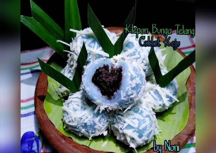 Cara Mudah memasak Klepon Bunga Telang Coklat Keju yang bikin ketagihan