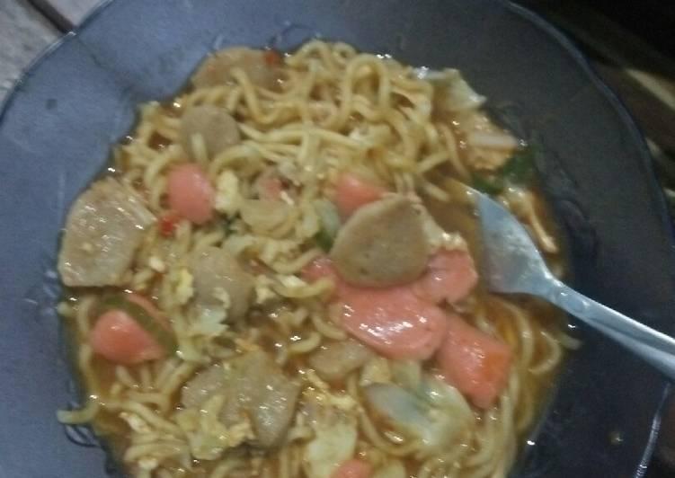 Cara Mudah memasak Mie tek tek kuah Pedas yang bikin ketagihan