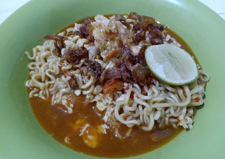 Resep memasak Indomie goreng tek-tek (mie tek-tek) enak