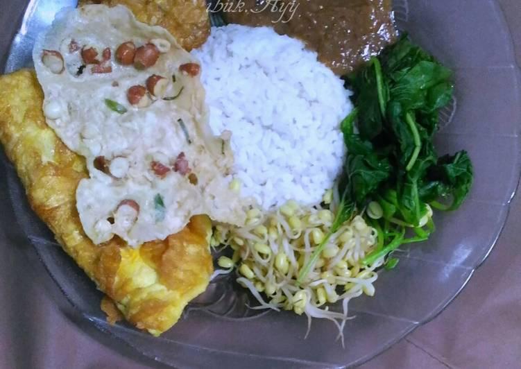 Resep: Sego Pecel (Nasi Pecel) Plus Lauk dan Bumbu Pecel Homemade sedap
