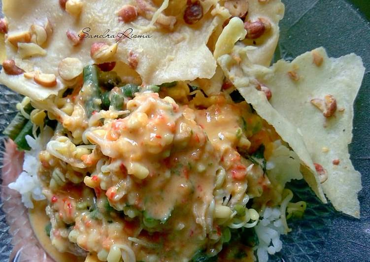 Resep: Nasi Pecel khas Kediri #pr_uuenaktenanrek yang menggugah selera