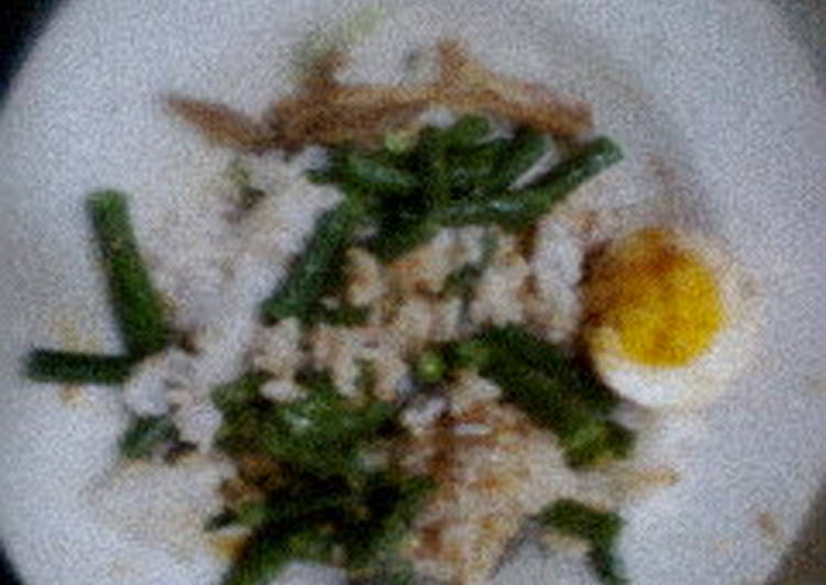 Cara mengolah Nasi pecel gurih plus telor