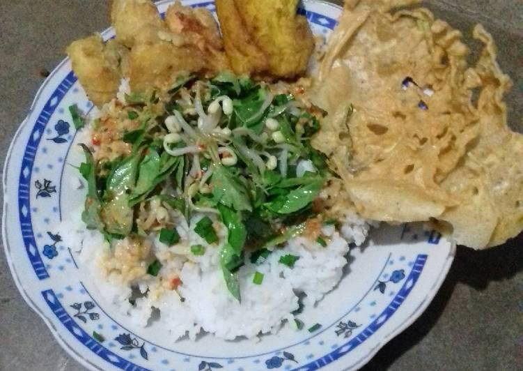 Cara mengolah Nasi Pecel lalap kucai #bikin ramadhanberkesan enak