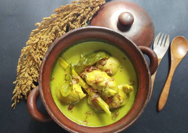 Resep: Opor Ayam ala RM Gudek Yu Nap lezat