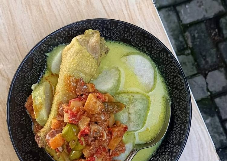 Resep mengolah Lodho ayam versi opor ayam lezat