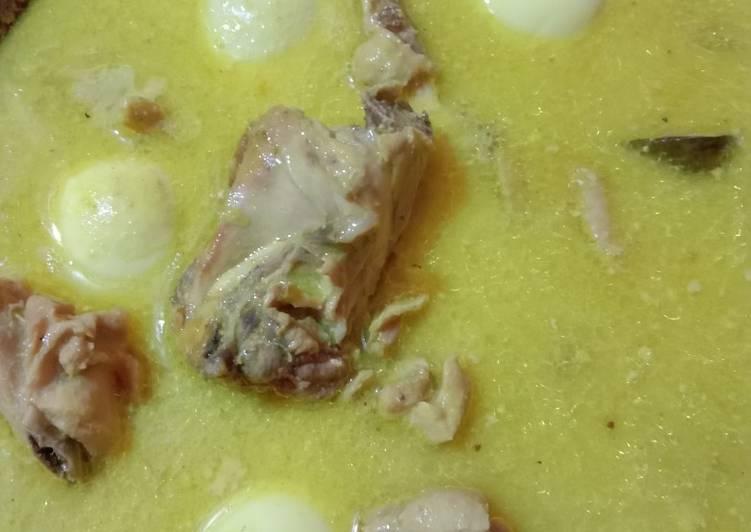 Resep membuat Opor ayam dan telur yang menggugah selera
