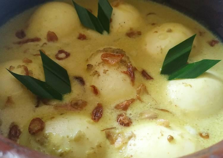Cara mengolah Opor Telur Kuah Kuning yang bikin ketagihan