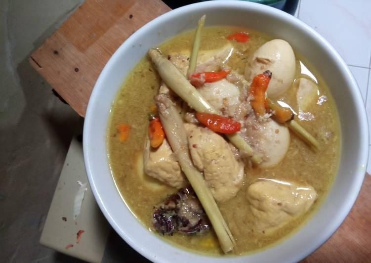 Cara memasak Telur tahu opor rasa gudeg yang menggugah selera