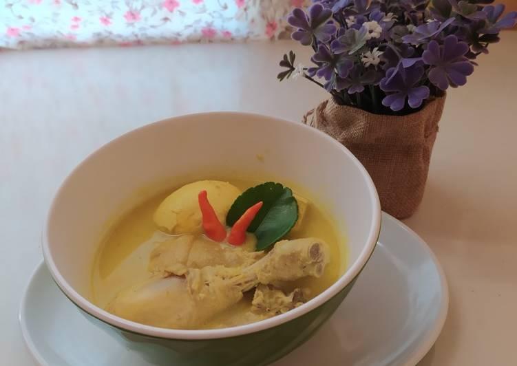 Cara membuat Opor ayam telur tahu yang menggugah selera