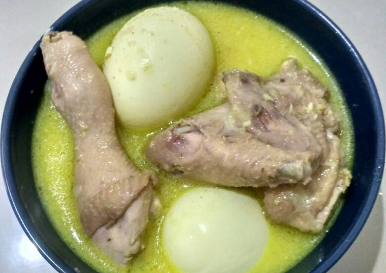 Resep: Opor ayam dan telur yang bikin ketagihan