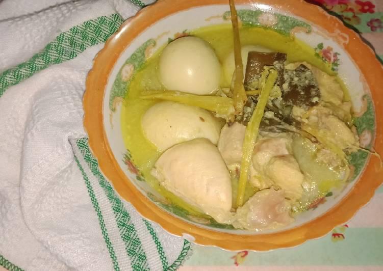 #15. Opor ayam telur