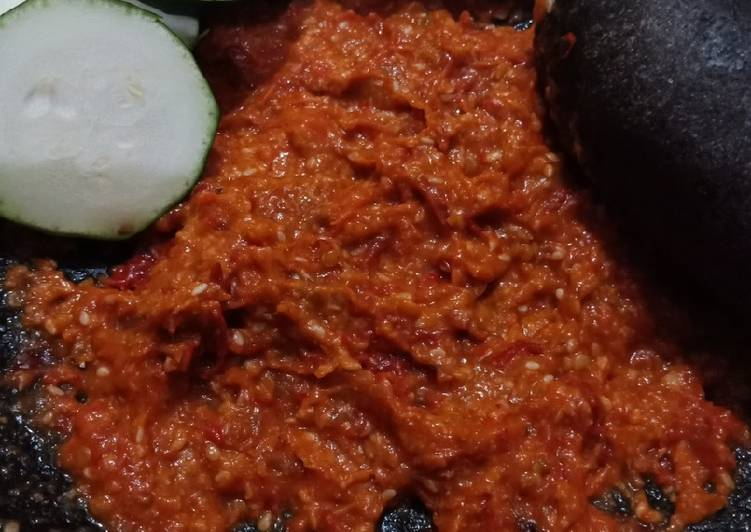 Resep memasak Sambel Pecel Ayam (sambel penyetan, sambel ayam goreng) yang bikin ketagihan