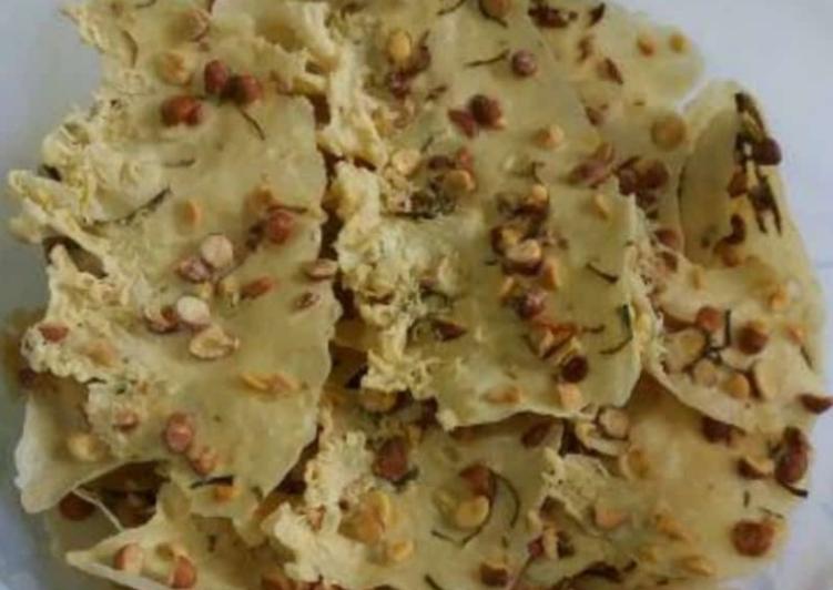 Cara memasak Rempeyek kacang daun jeruk wangi kencur enak