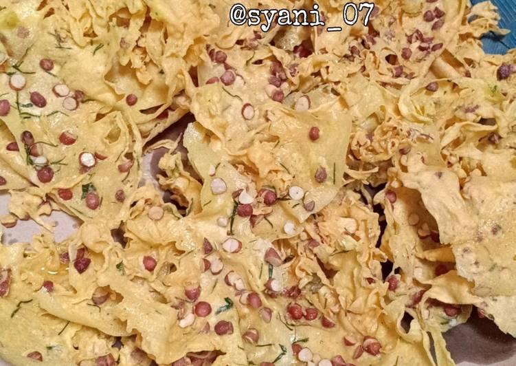 Resep membuat Peyek kacang tanah renyah, anti gagal sedap