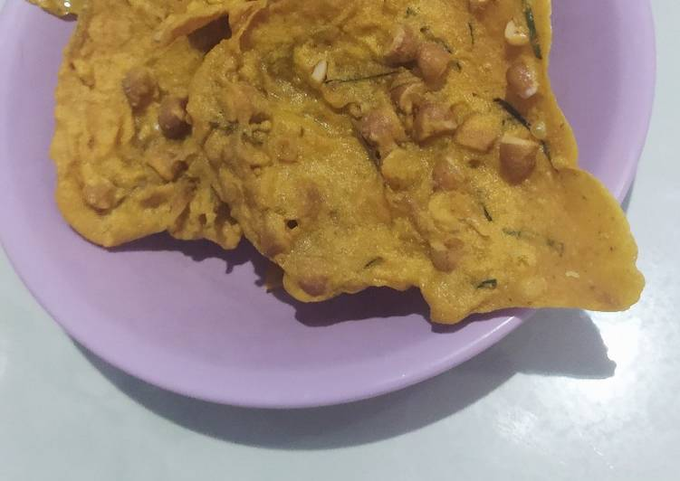 Cara Mudah mengolah Peyek Kacang (dengan santan+daun jeruk)