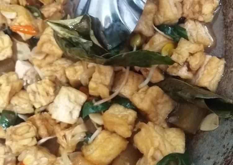 Cara memasak Sambel goreng tahu tempe, udang dan cecek yang menggugah selera