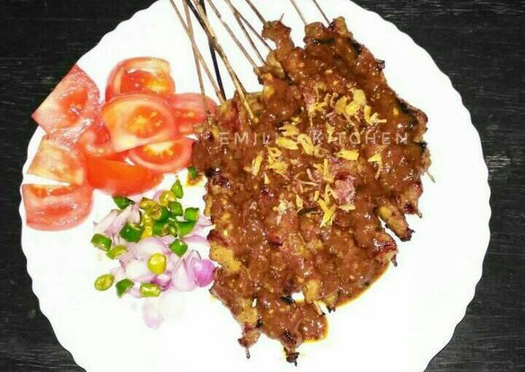 Resep membuat Sate Ayam Pedas Manis (empuk & bumbu meresap) yang menggugah selera
