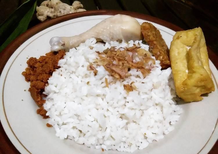 Cara memasak Sego gurih a.k.a. Nasi Gurih sedap