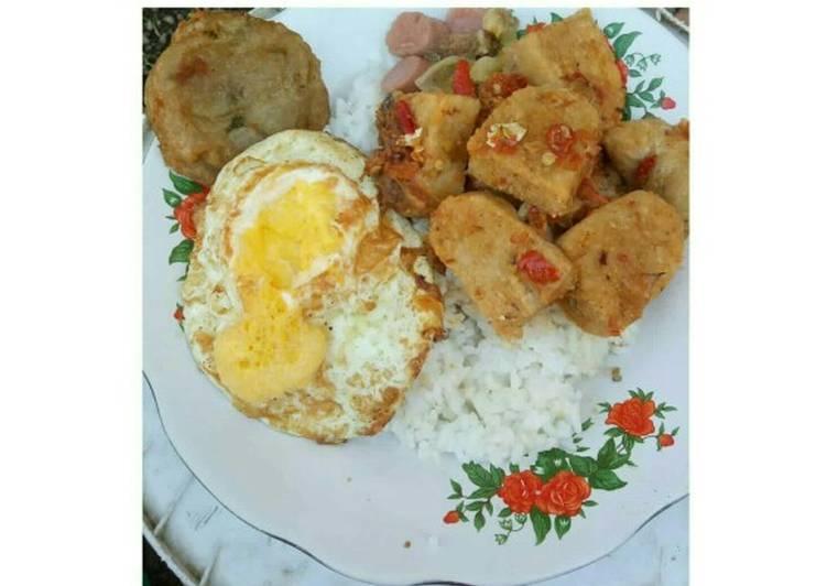 Resep: Tempe gembus pedas,telur ceplok,perkedel kentang,sosis yang bikin ketagihan