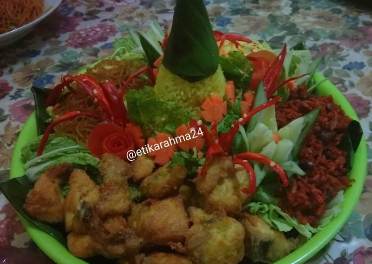 Resep: Nasi Tumpeng pake rice cooker sedap