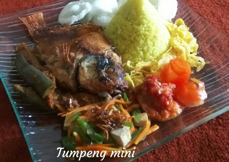Resep: Tumpeng mini rice cooker lezat