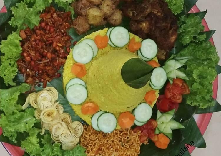 Cara membuat Nasi kuning tumpeng sederhana yang bikin ketagihan