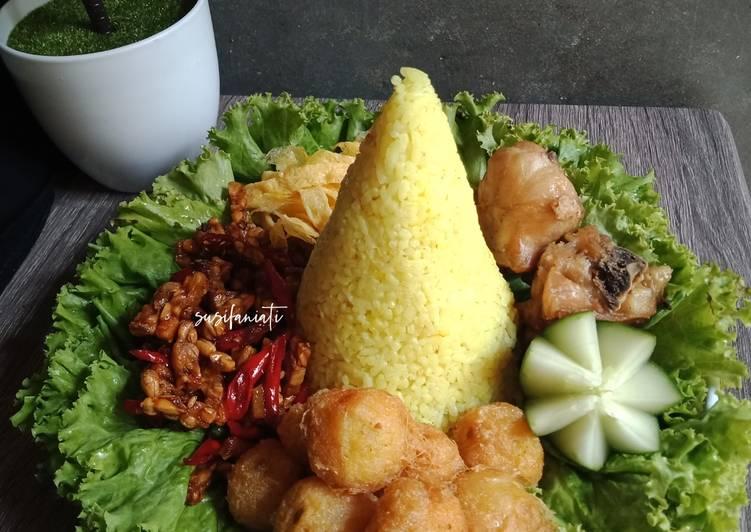 Resep membuat Nasi tumpeng mini sedap