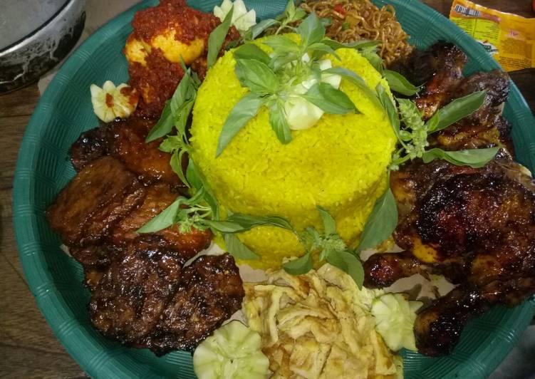 Resep: Tumpeng nasi kuning enak