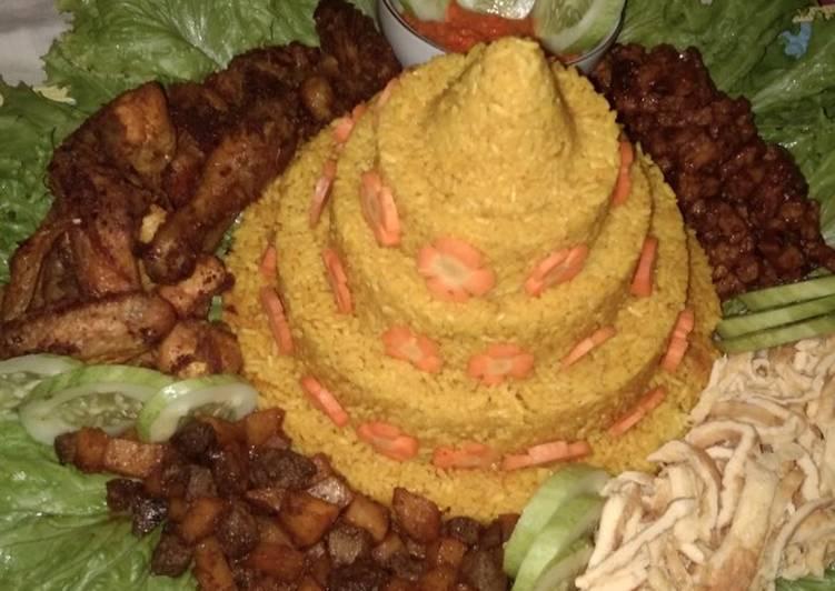 Resep: Tumpeng Nasi Kuning magic com istimewa