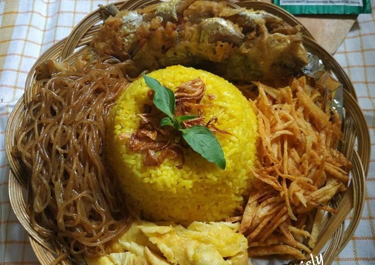 Resep mengolah Tumpeng Mini Nasi Kuning Rice cooker yang menggugah selera