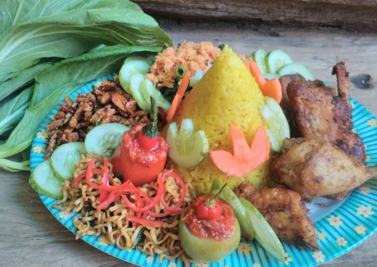 Cara Mudah membuat Tumpeng nasi kuning magic com berbumbu yang bikin ketagihan