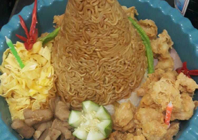Tumpeng mie spesial