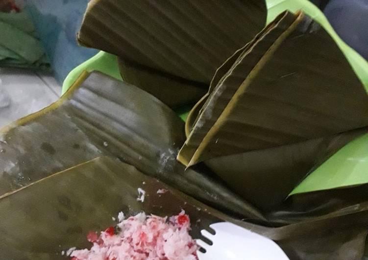 Resep membuat Tuntuman Sagu Mutiara khas Pekalongan lezat