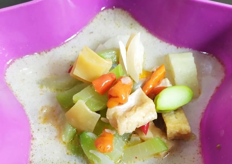 Resep memasak Lontong sayur yang menggugah selera