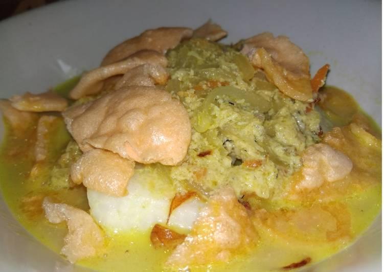 Resep membuat Lontong sayur ikan betutu istimewa