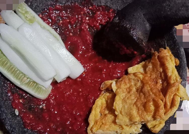Cara Mudah membuat Sambel mentah (khas sambel nasi tempong bwi) dijamin mantap istimewa