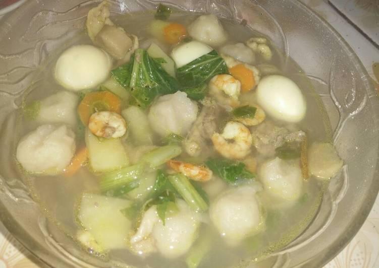 Resep: Sop udang ayam sosis dan pentol istimewa