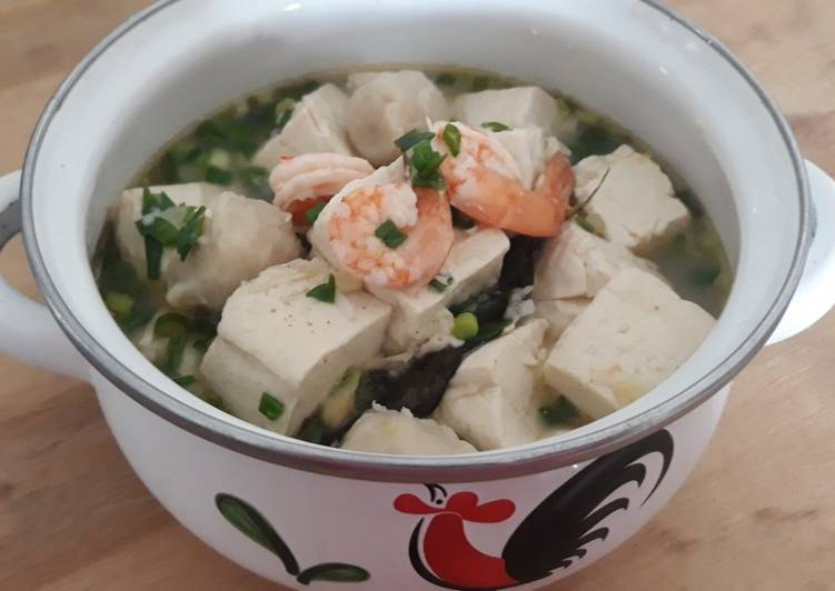 Cara membuat Sup Udang Tahu Putih ala resto