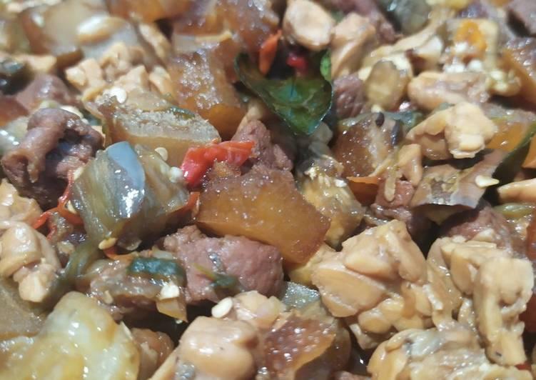 Resep: Oseng daging dan cecek kecap pedas