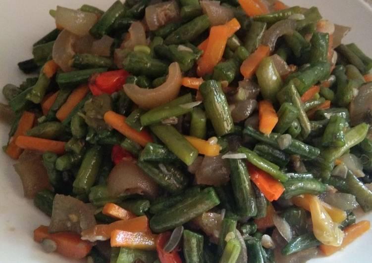 Tumis kacang panjang + cecek pedas