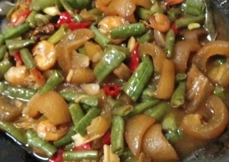 Resep: Oseng cecek sapi dan kacang panjang ala resto