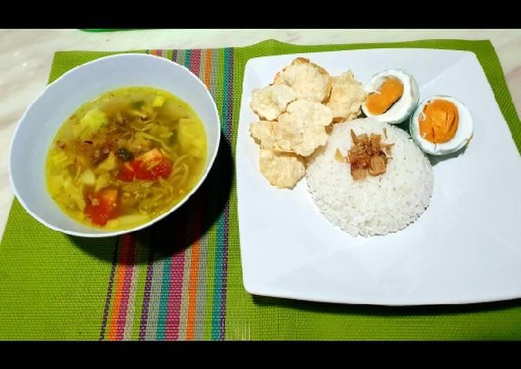 Soto Ayam Kuah Kuning