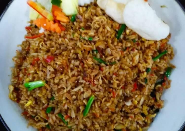 Cara Mudah mengolah Nasi goreng sambal teri balacan