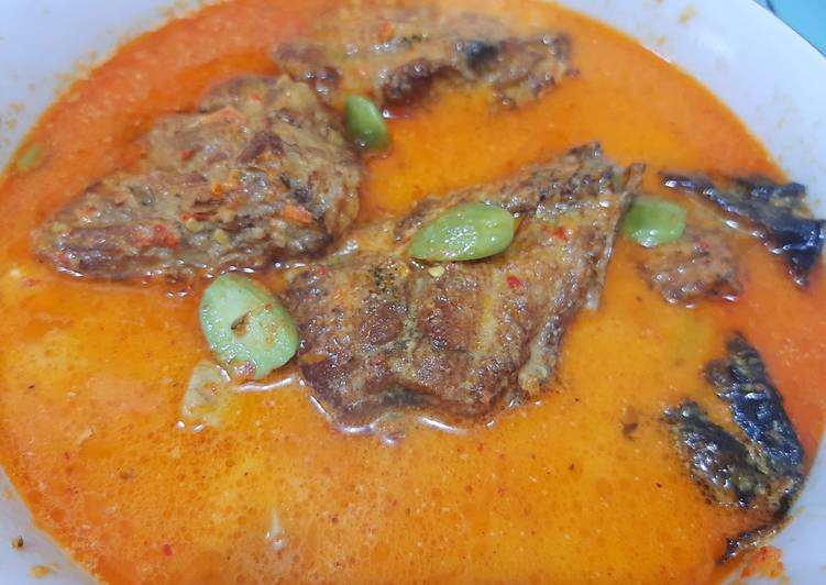 Cara memasak 2. Mangut Ikan Asap Manyung khas Pantura