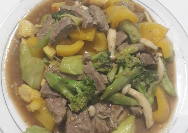 Resep: Daging sapi tumis sayuran bumbu lada hitam lezat