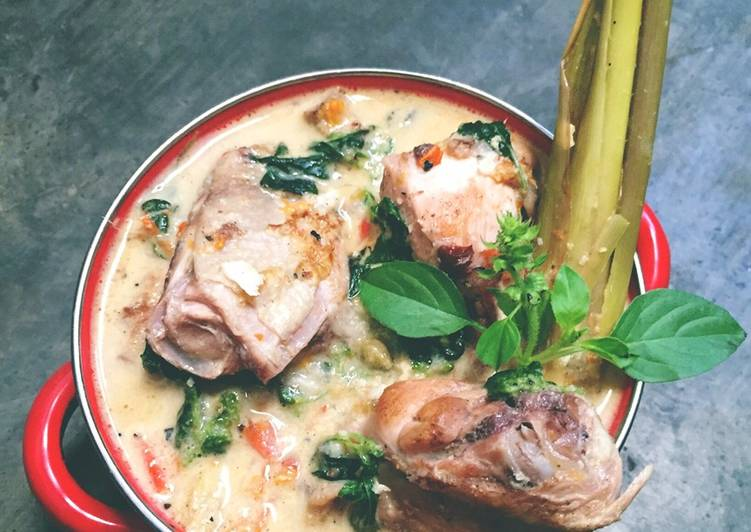 Resep: Ayam Pedas khas Banyuwangi #pr_uuenaktenanrek